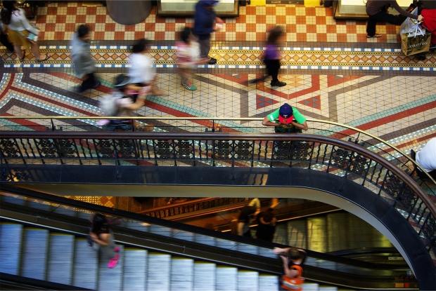 mall-687130_1920.jpg